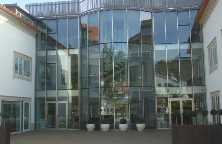 Hotel**** (V.N.Gaia)