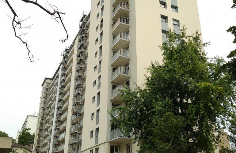 Rehabilitación de Edificio habitacional Paris (La Mare)